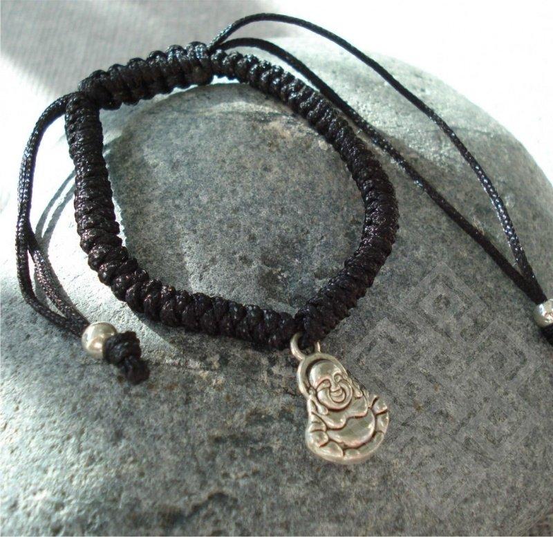 Krachtig armbandje met Boeddha hangertje (Zwart)
