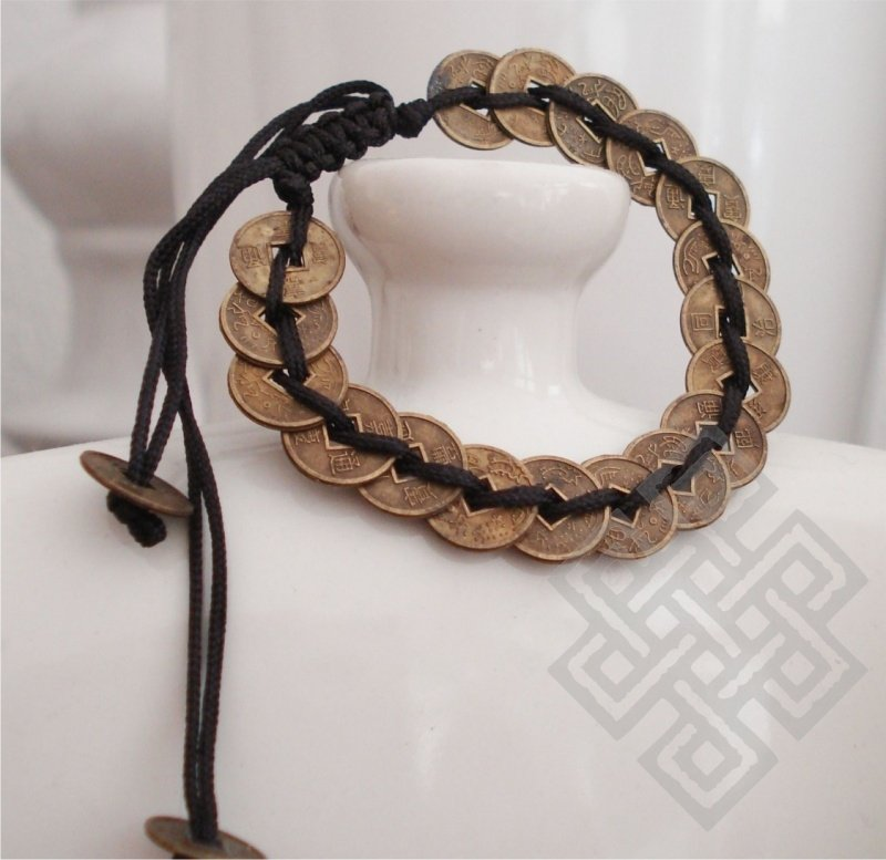 Krachtig armbandje met I-Ching Munten